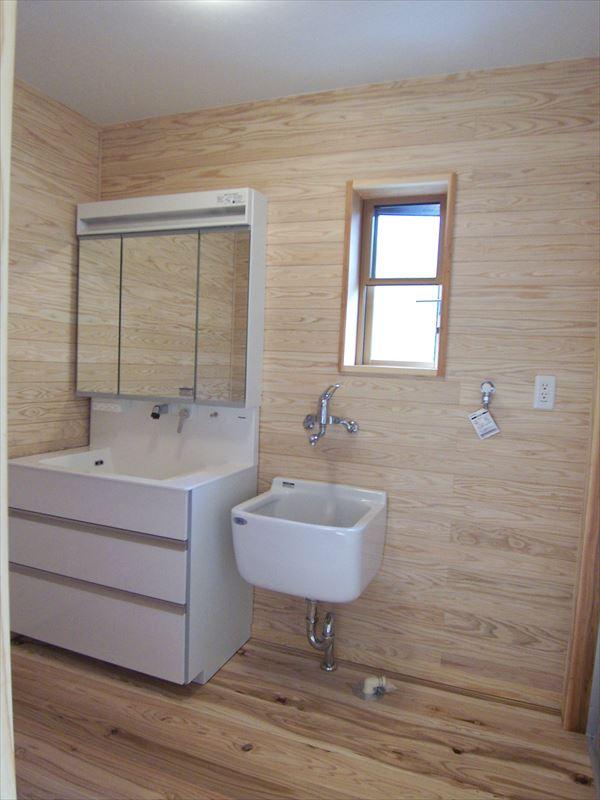 木と塗り壁と和紙で造る心と体にやさしいオシャレな家