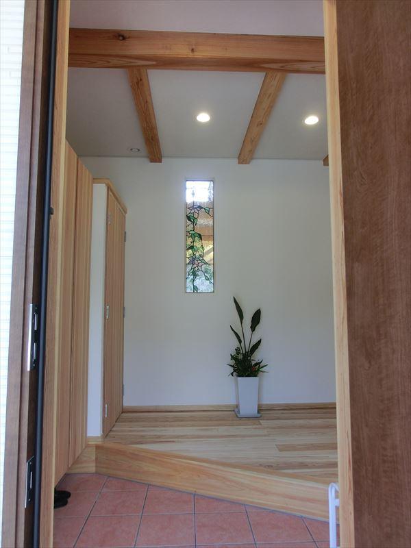 「自然素材」と「地熱利用」で造る人と地球に優しい家