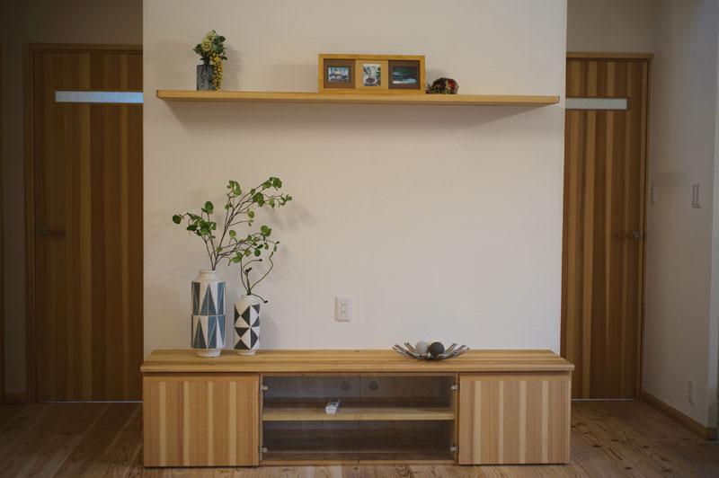 家族の健康や暮らしやすさ大事に考えた「木と塗り壁」そして「薪ストーブ」の家!