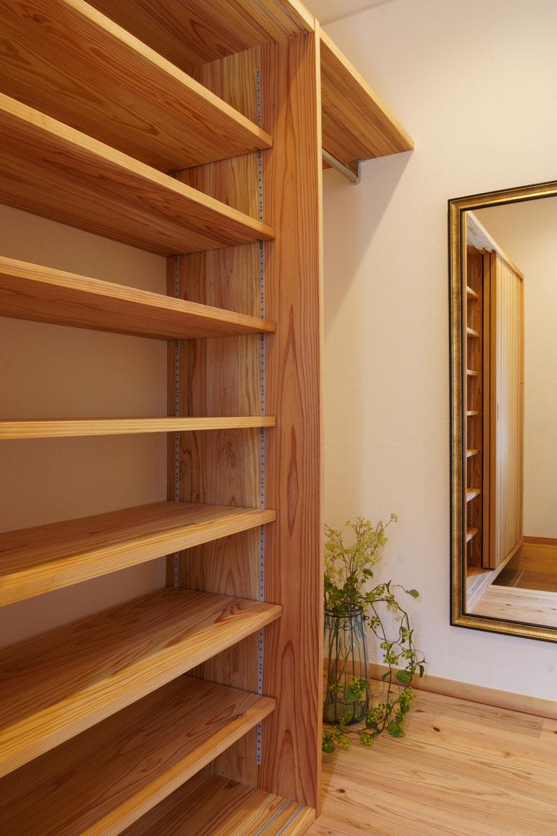 夢の「自宅ネイルサロン」併設!木のアロマ薫るレトロでくつろぎの我が家。