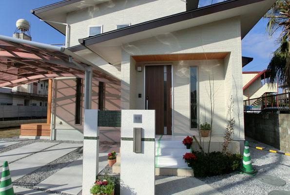 幼い子供達を始めとした家族の「健康」と「安全」を大事に考えた自然素材で造る高性能住宅